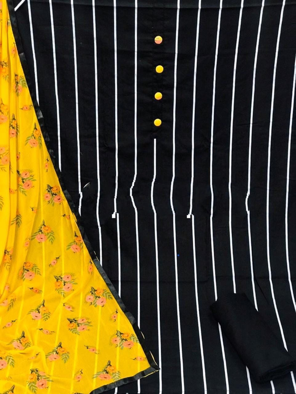 Beauteous Black Cotton With Printed Salwar